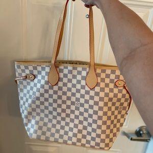 Louis Vuitton never full bag mm